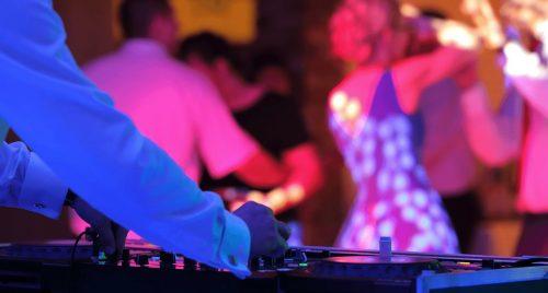 event-schuette-sauerland-wedding-dj-pult-kuenstler